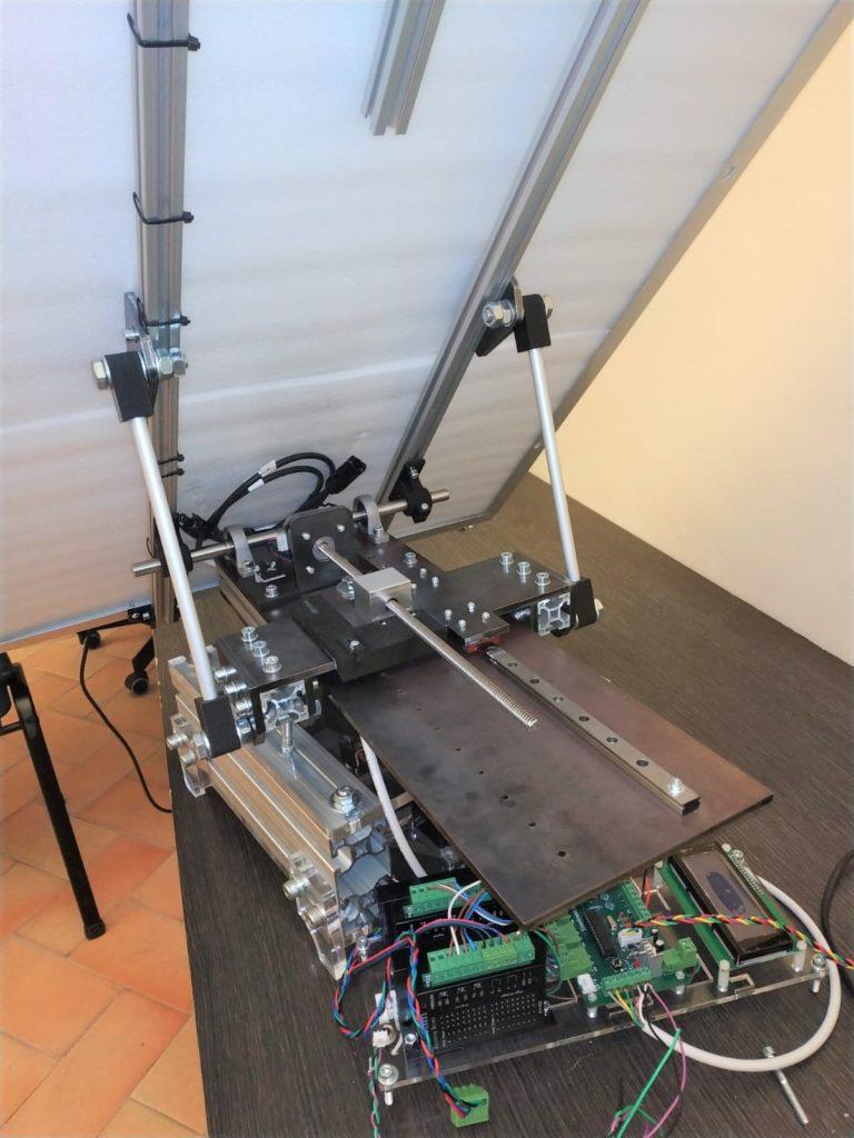 Il retro con il sistema di controller e schede PCB