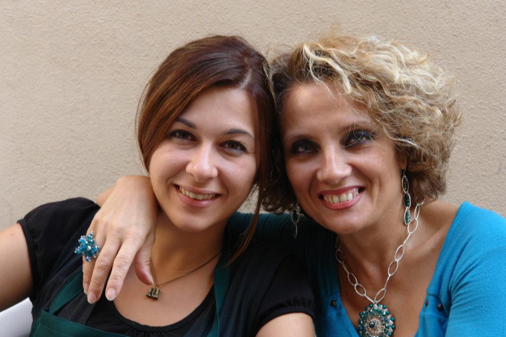 """Raffaella & Luisa durante la """"Sagra dell'Uva"""" 2011"""
